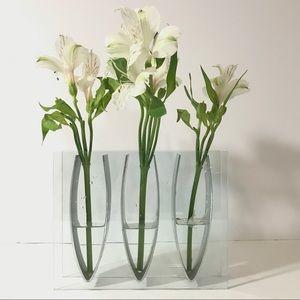 Minimal Contemporary 3 Hole Metal Glass Bud Vase